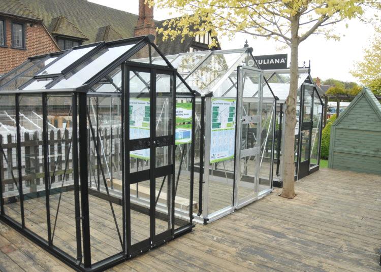 Garden site greenhouse